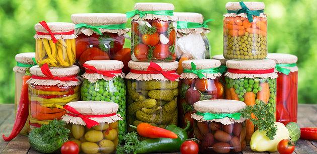 Eingekochtes Obst und Gemüse